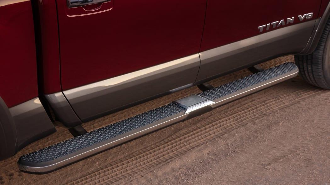 2020 Nissan TITAN Platinum Reserve-28