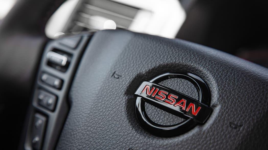 2020 Nissan TITAN PRO-4X-29
