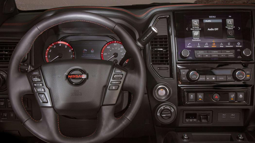 2020 Nissan TITAN PRO-4X-33