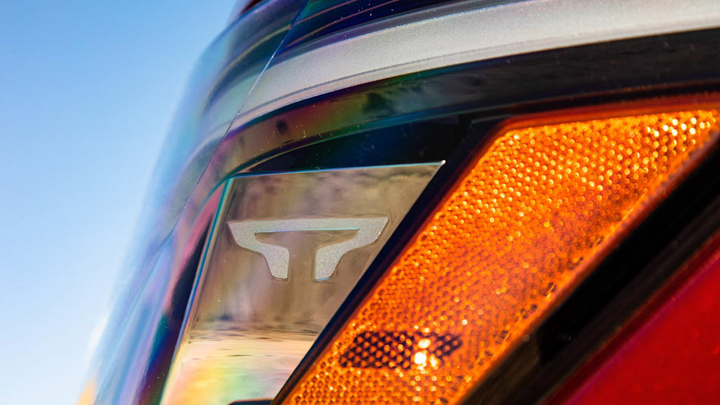 2020 Nissan TITAN SL-24