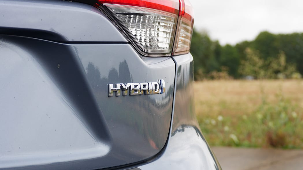 toyota-corolla-hybrid-bdg-1
