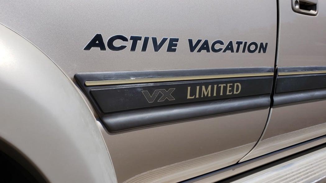 1993_toyota_land_cruiser_hzj81_vx_limited_active_vacation_156635772595d565ef66e7d20190818_144823