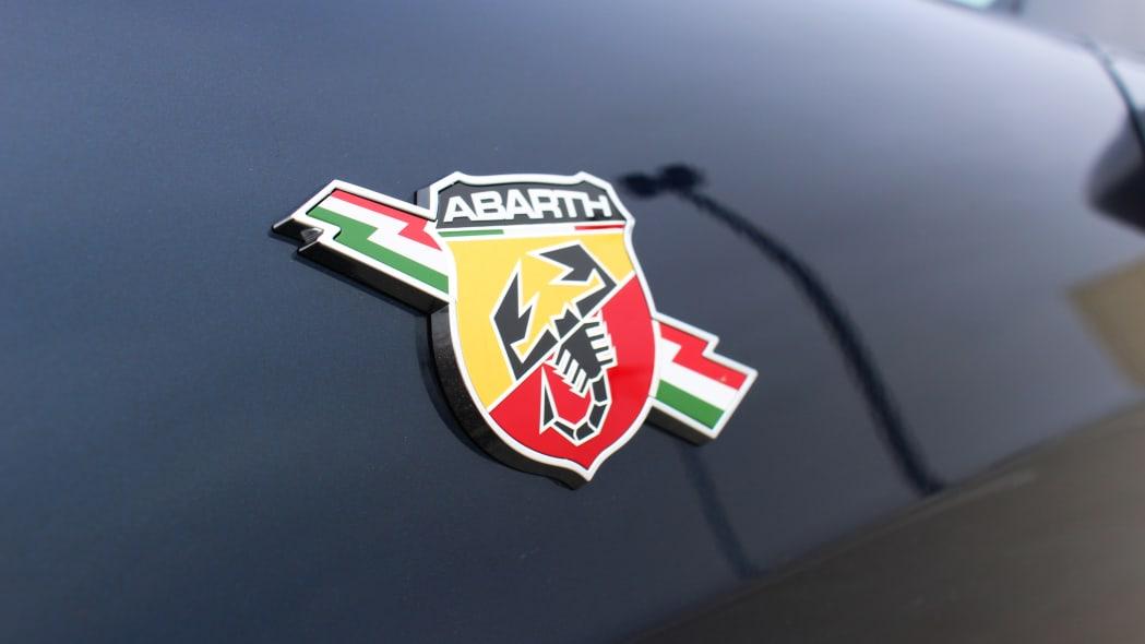 2019 Fiat 124 Spider Abarth badge