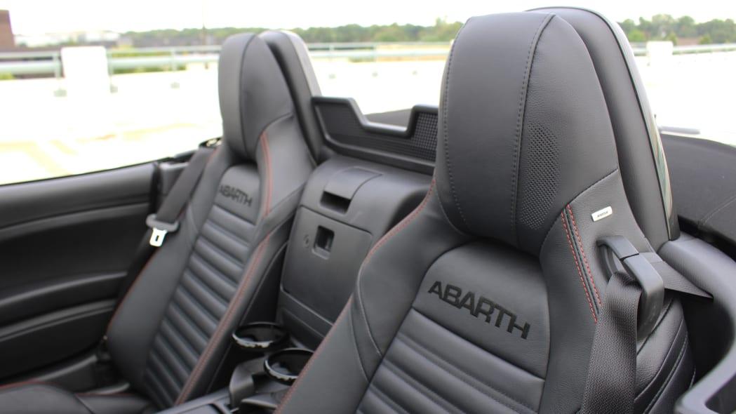 2019 Fiat 124 Spider Abarth seats