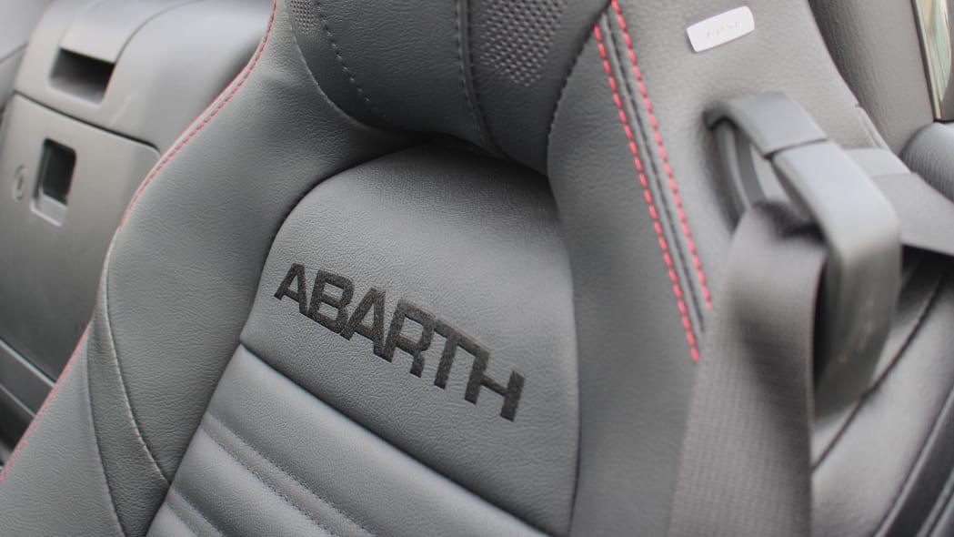 2019 Fiat 124 Spider Abarth seat