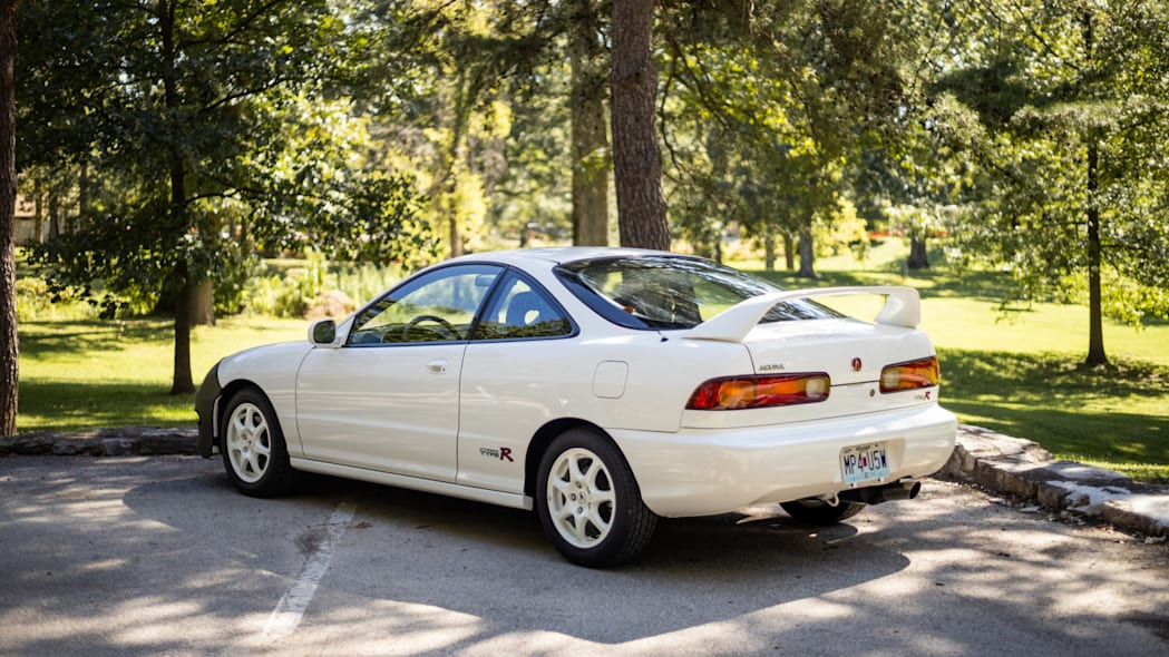 1997 Acura Integra Type R-6377-4227-9573-eb37256f73d1-4lFHBm