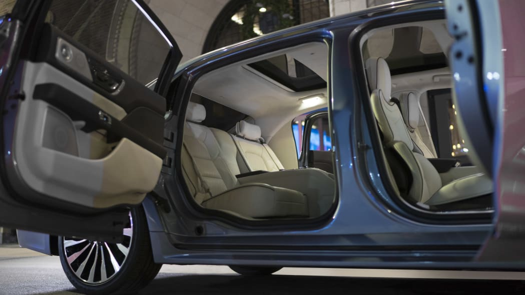 LincolnContinental-CoachDoors_HR_10