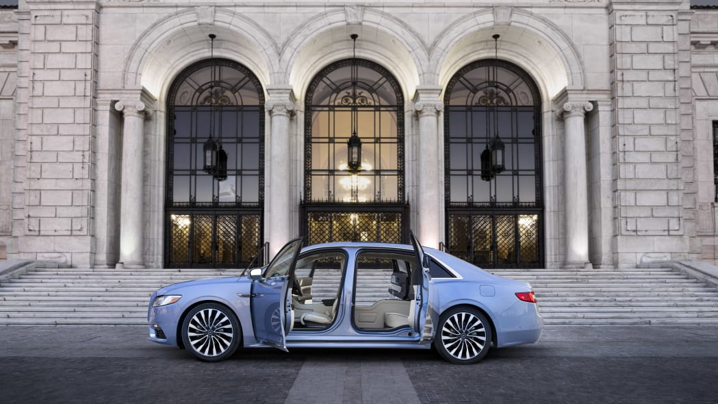 LincolnContinental-CoachDoors_HR_11