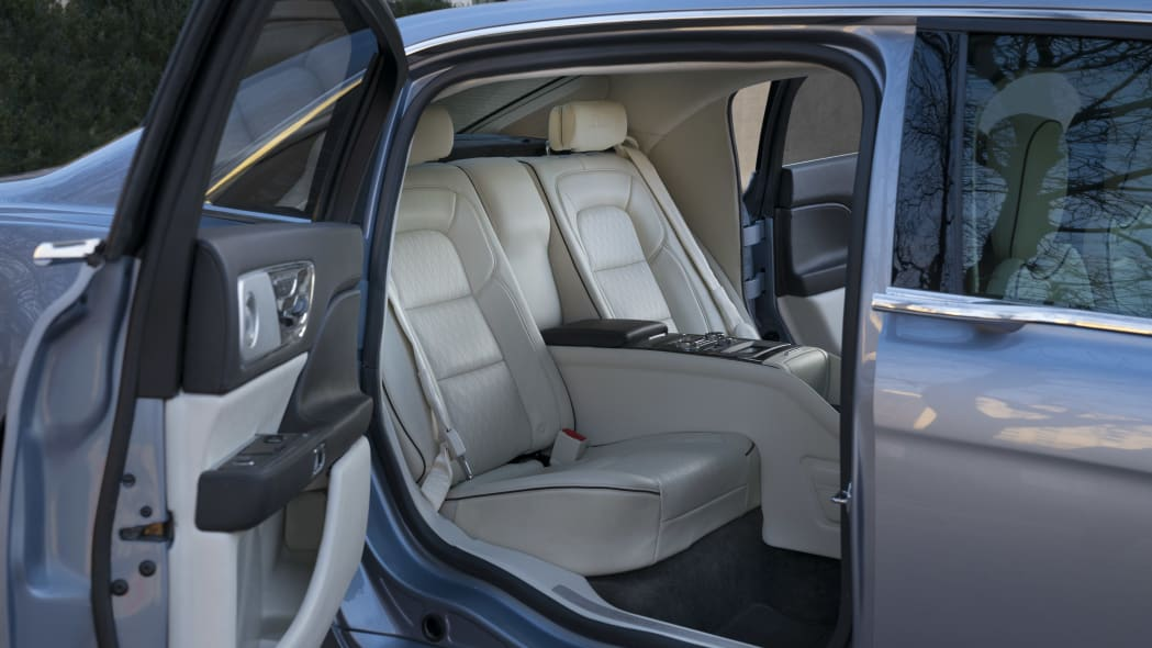LincolnContinental-CoachDoors_HR_16