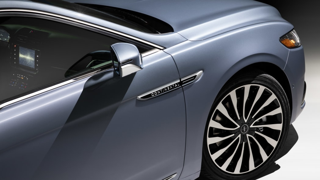 LincolnContinental-CoachDoors_HR_52