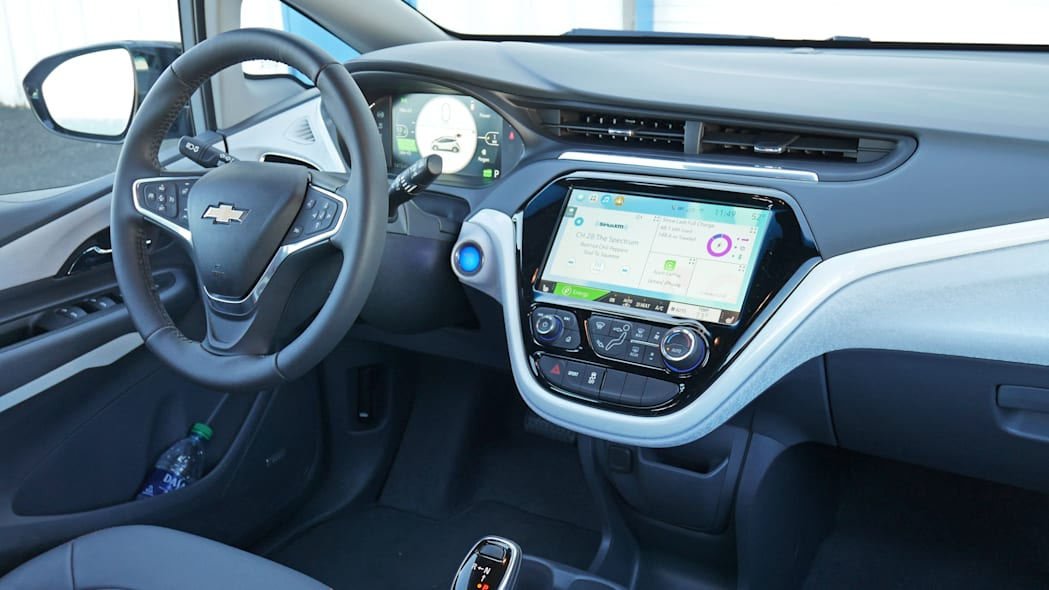 chevy-bolt-int-dash-1