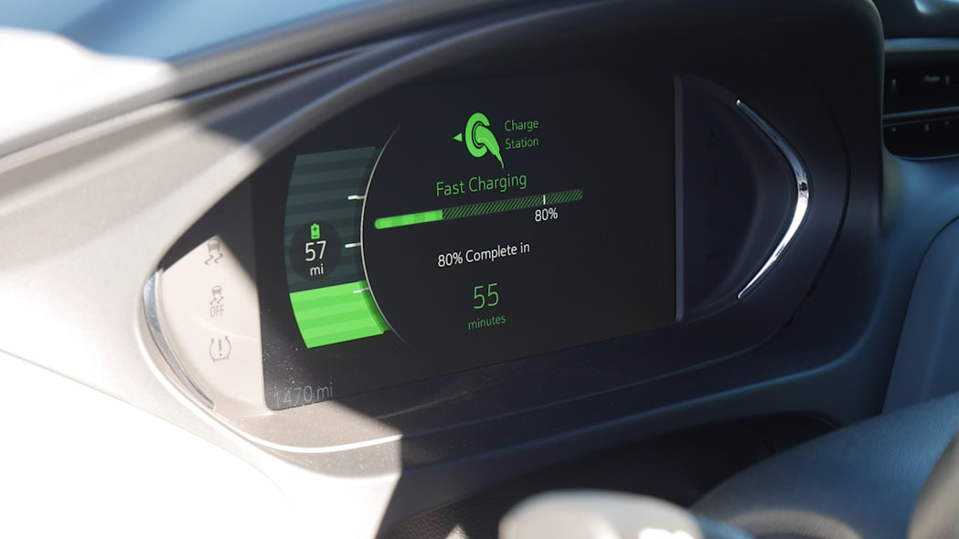 chevy-bolt-int-ip-2