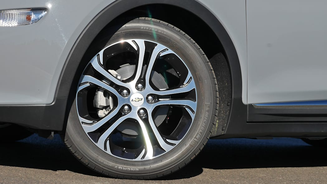chevy-bolt-wheel