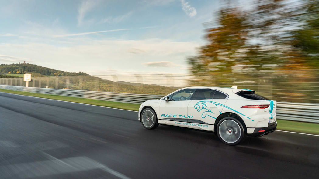 Jag_I-PACE_RACE_eTAXI_Nurburing_13