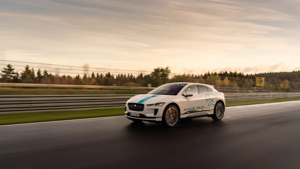 Jag_I-PACE_RACE_eTAXI_Nurburing_14