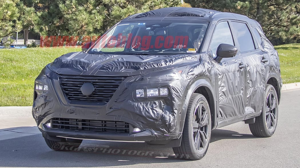 2021 Nissan Rogue in camouflage