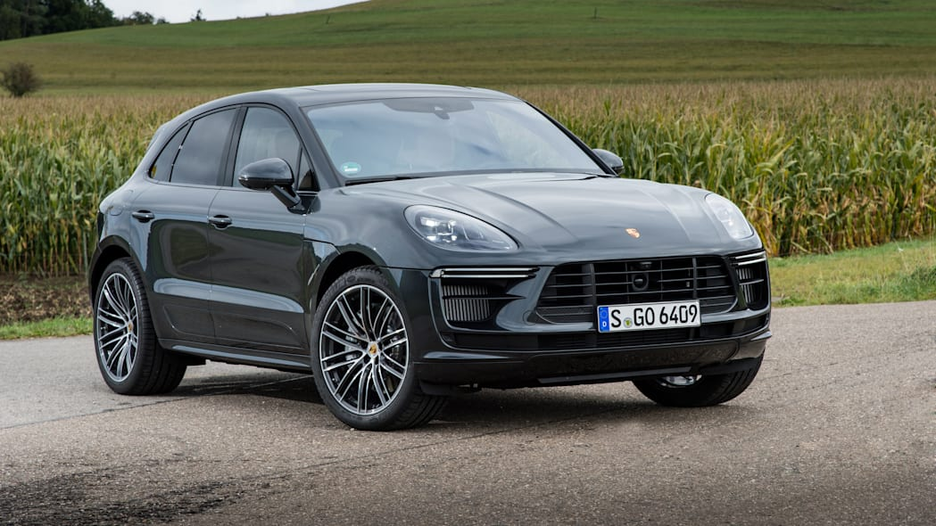 2020_Porsche_Macan_Turbo_Volcano_Grey_Metallic (3)
