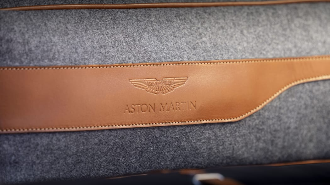 2020 Aston Martin DBX pet bed