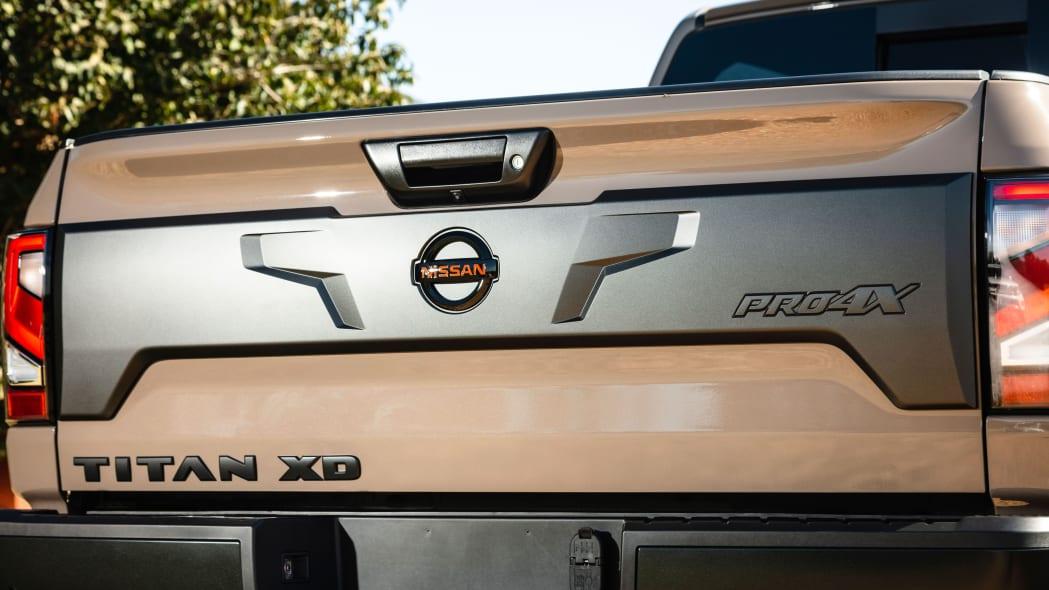 2020 Nissan TITAN XD PRO-4X-6