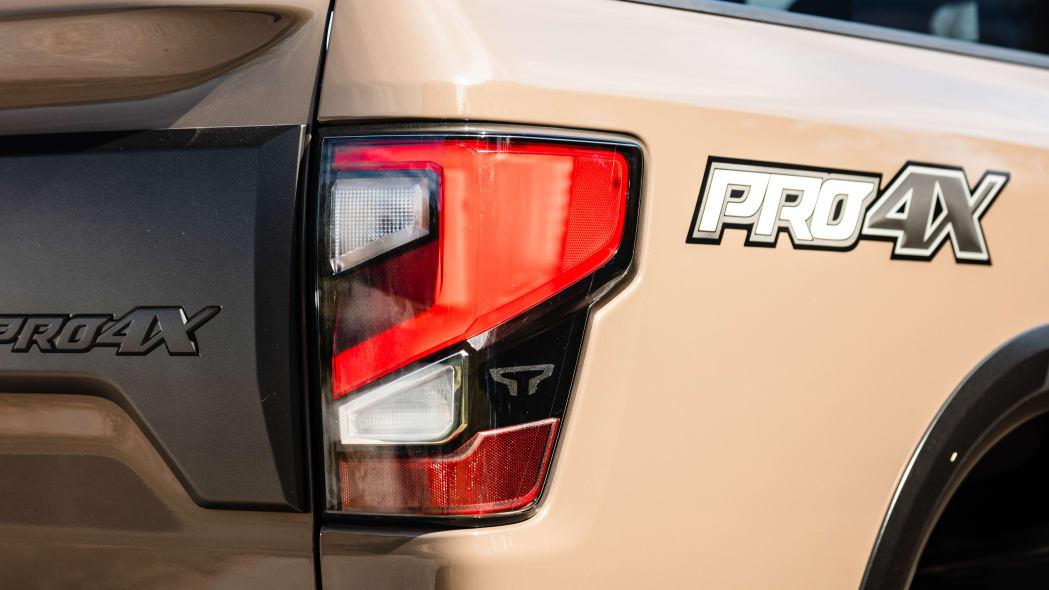 2020 Nissan TITAN XD PRO-4X-14