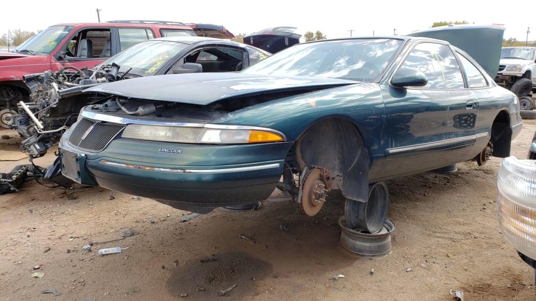 21 - 95 Lincoln Mark VIII in Colorado junkyard - photo by Murilee Martin