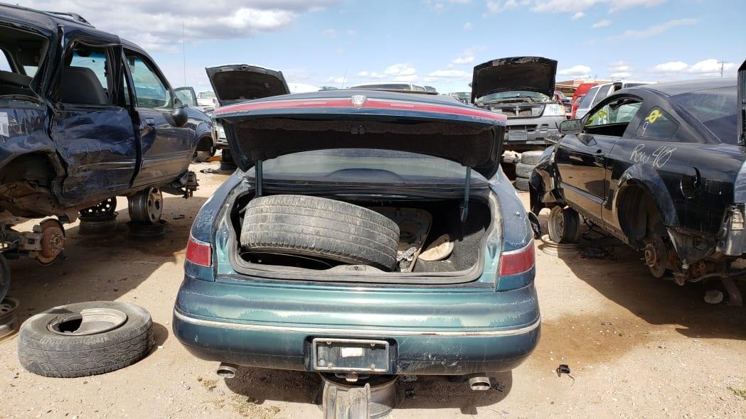 32 - 95 Lincoln Mark VIII in Colorado junkyard - photo by Murilee Martin