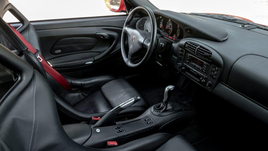 porsche-911-gt3-996-int-1