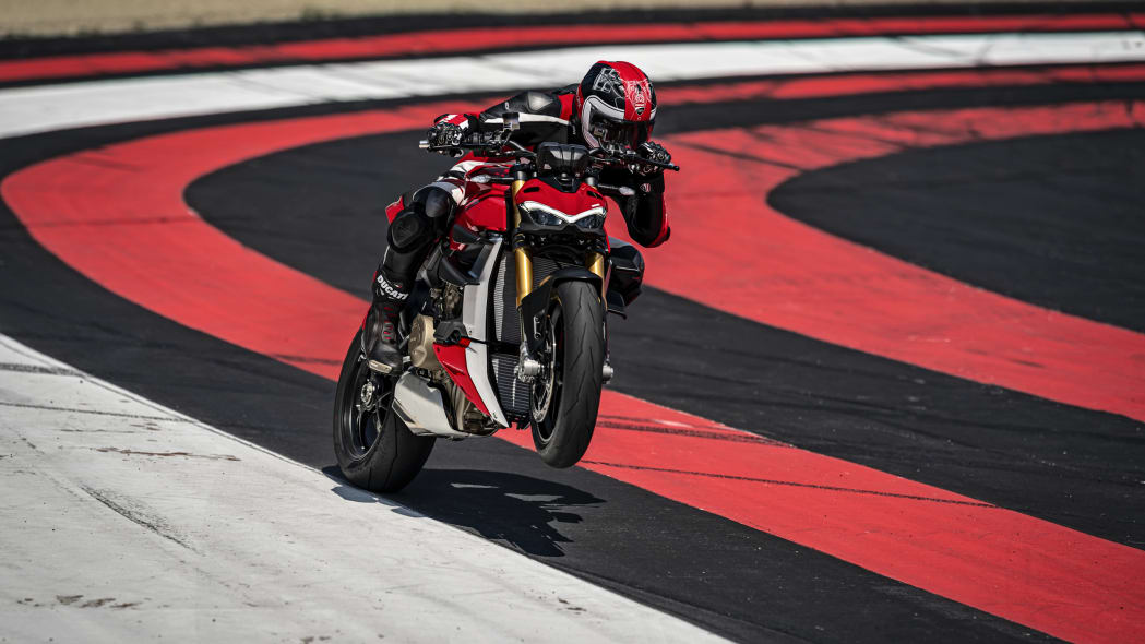 2020-ducati-sf-official-5