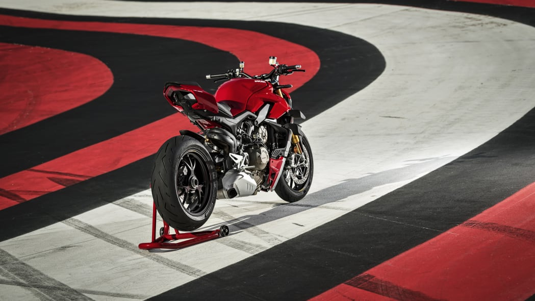 2020-ducati-sf-official-12