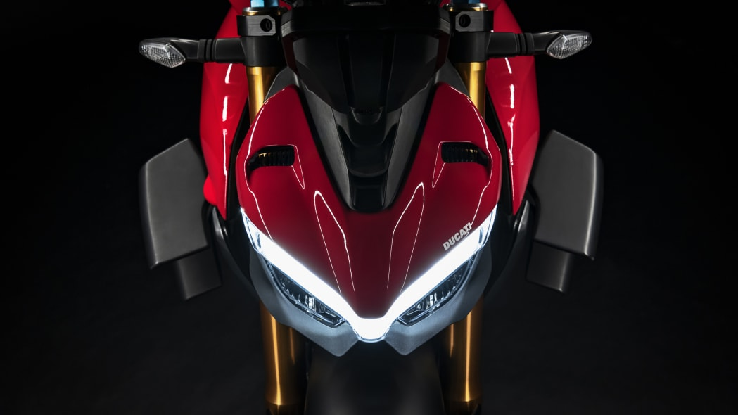 2020-ducati-sf-official-22