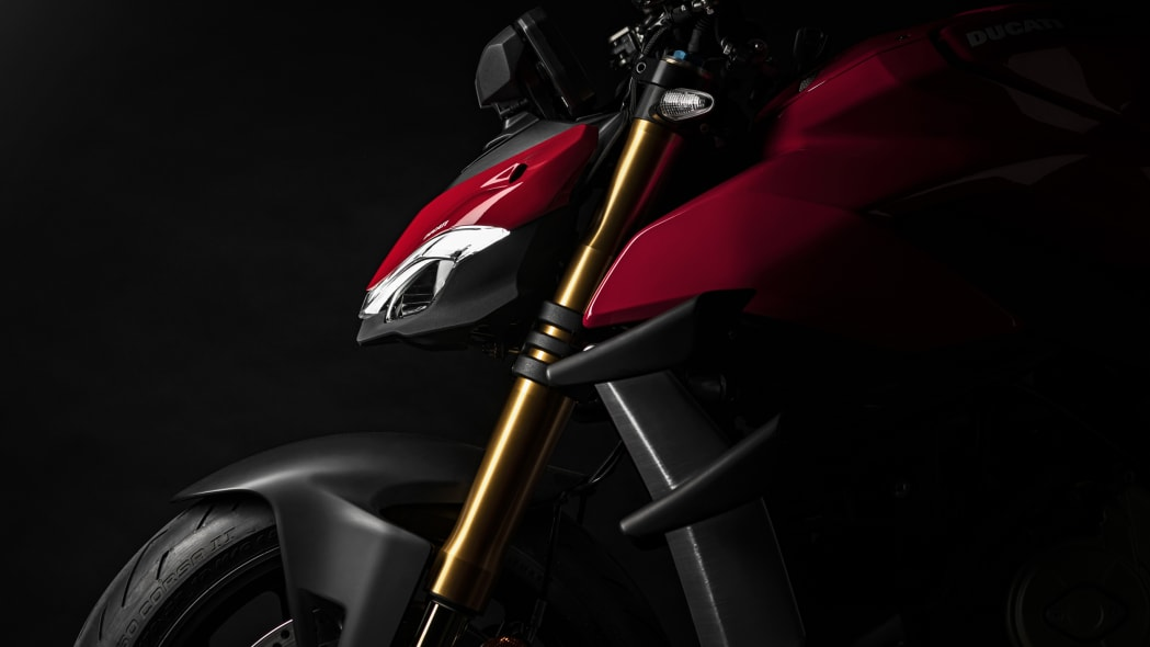 2020-ducati-sf-official-25