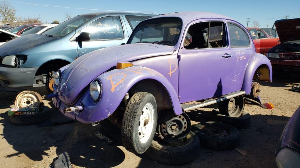 00 - 1974 Volkswagen Beetle in Colorado junkyard - photo by Murilee Martin