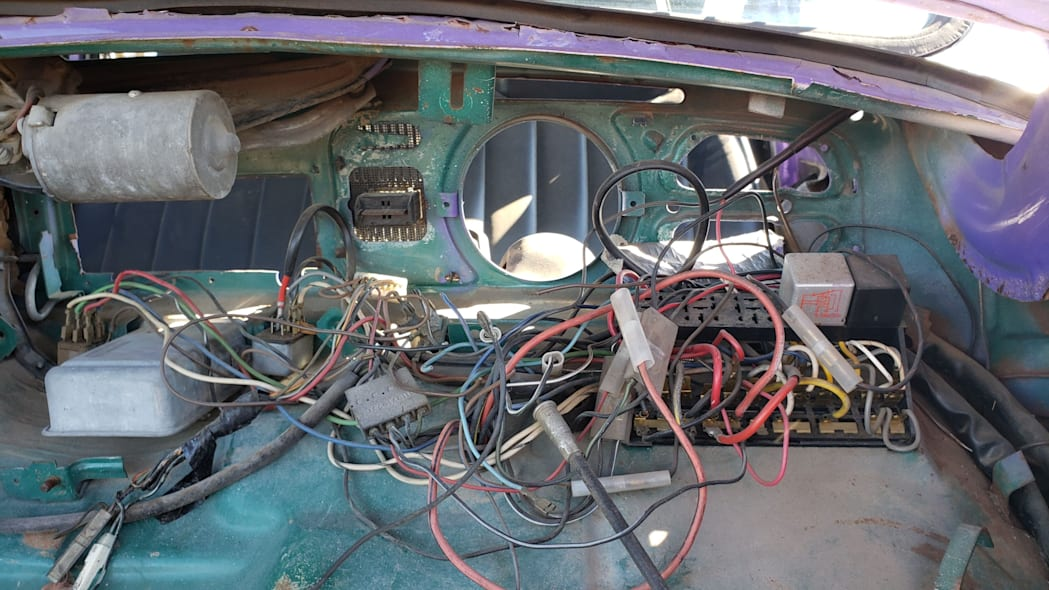 13 - 1974 Volkswagen Beetle in Colorado junkyard - photo by Murilee Martin