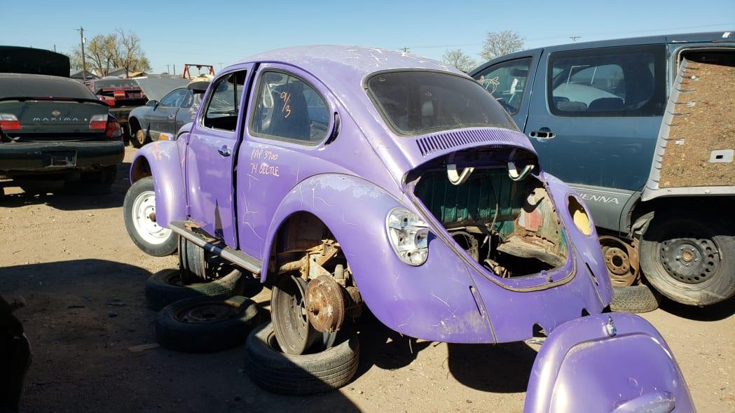 28 - 1974 Volkswagen Beetle in Colorado junkyard - photo by Murilee Martin