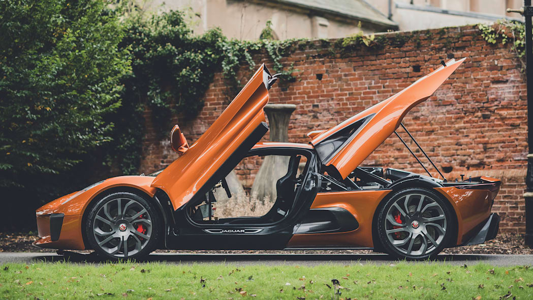 Jaguar C-X75 stunt car for Spectre