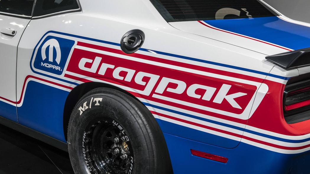 2020-dodge-challenger-drag-pak-sema-12