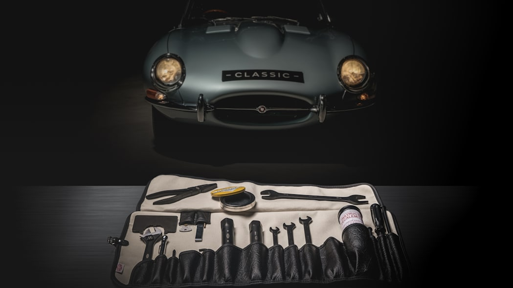 jaguar-classic-e-type-toolkit-1
