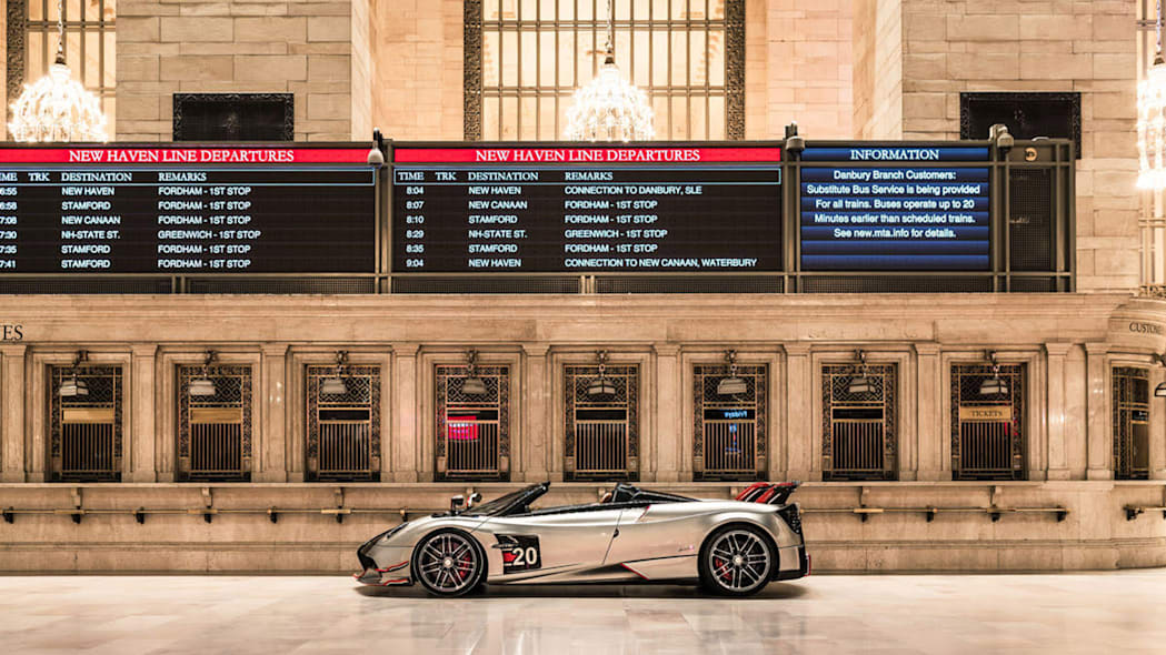 paganis-displayed-in-grand-central-4