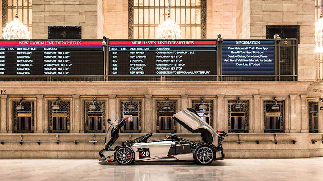 paganis-displayed-in-grand-central-6