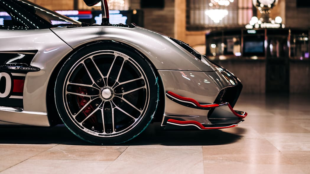 paganis-displayed-in-grand-central-2