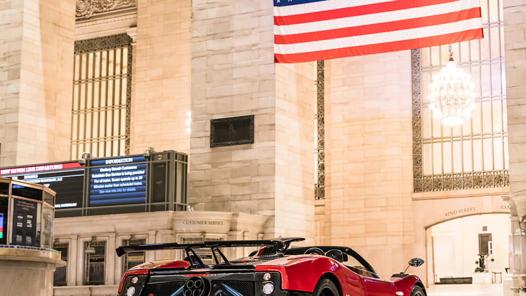 paganis-displayed-in-grand-central-3