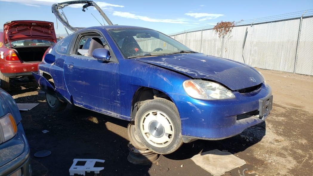 00 - 2001 Honda Insight in Colorado junkyard - photo by Murilee Martin