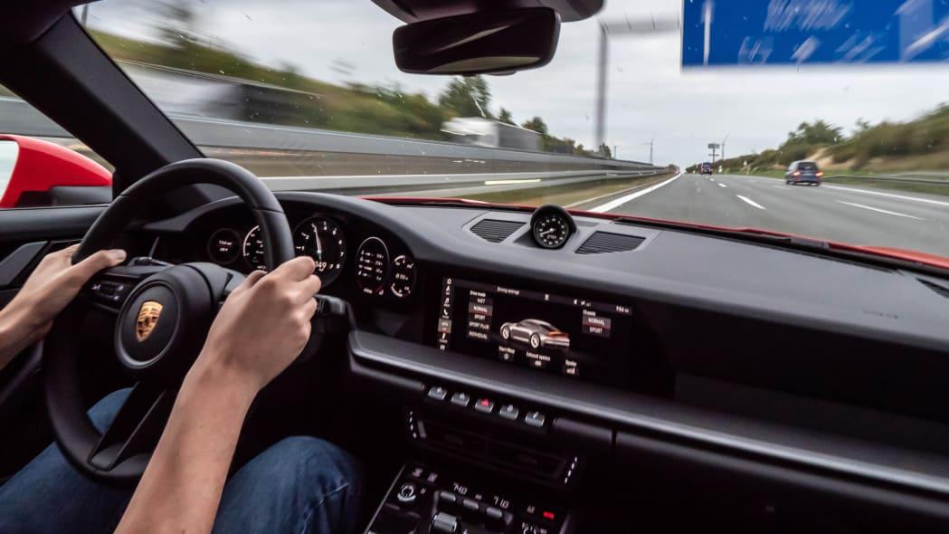 2020-porsche-911-roadtrip-germany-4-int