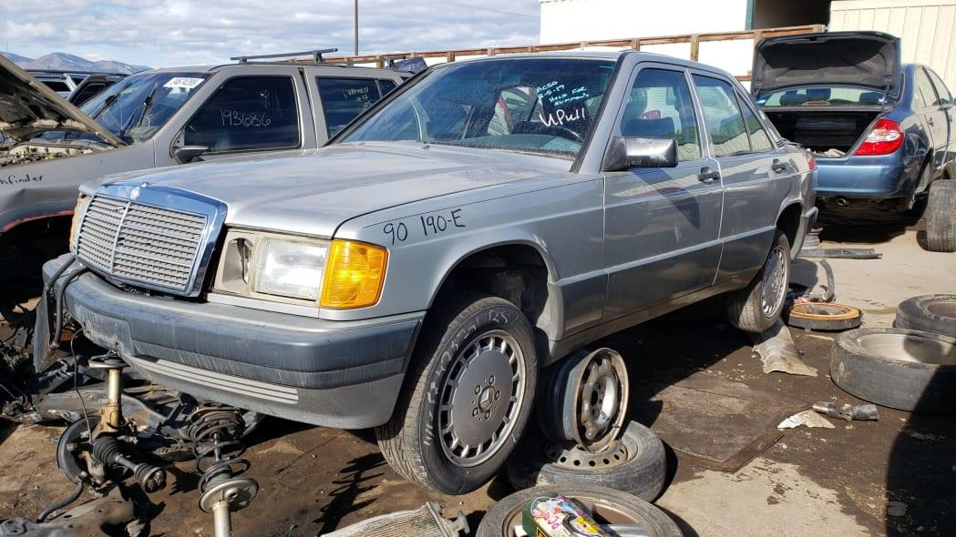 00 - 1990 Mercedes-Benz 190E 2.6 in Colorado junkyard - photo by Murilee Martin