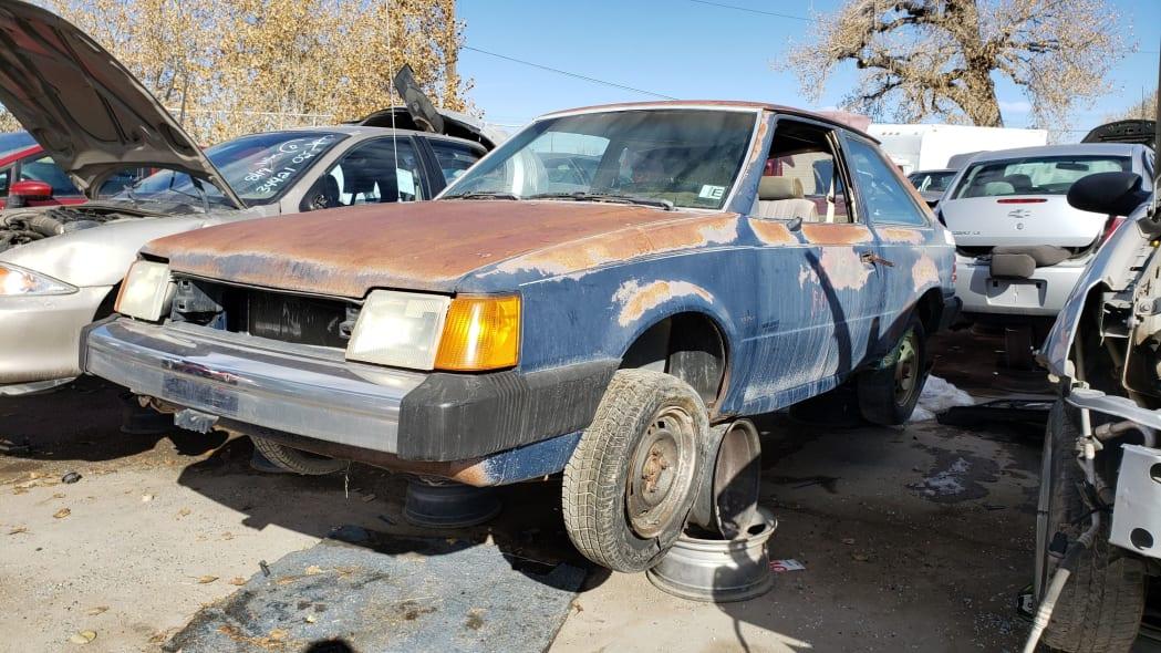 00 - 1986 Ford Escort Pony in Colorado junkyard - photo by Murilee Martin