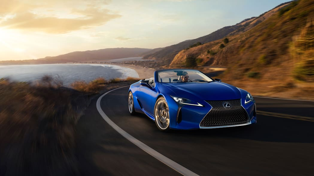 2021_Lexus_LC_500_Convertible_01