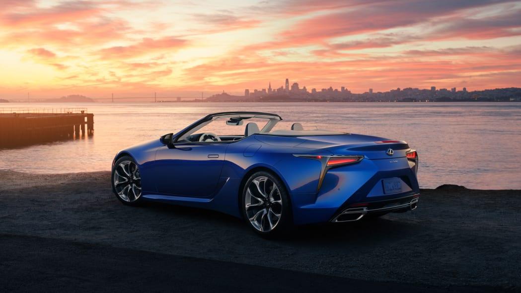2021_Lexus_LC_500_Convertible_04