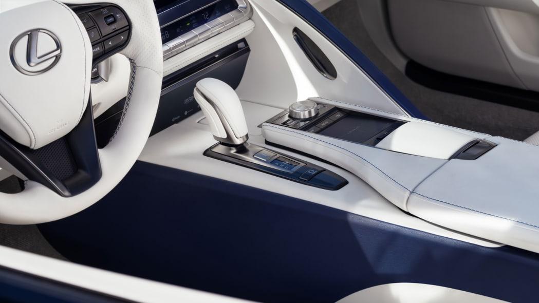 2021_Lexus_LC_500_Convertible_10