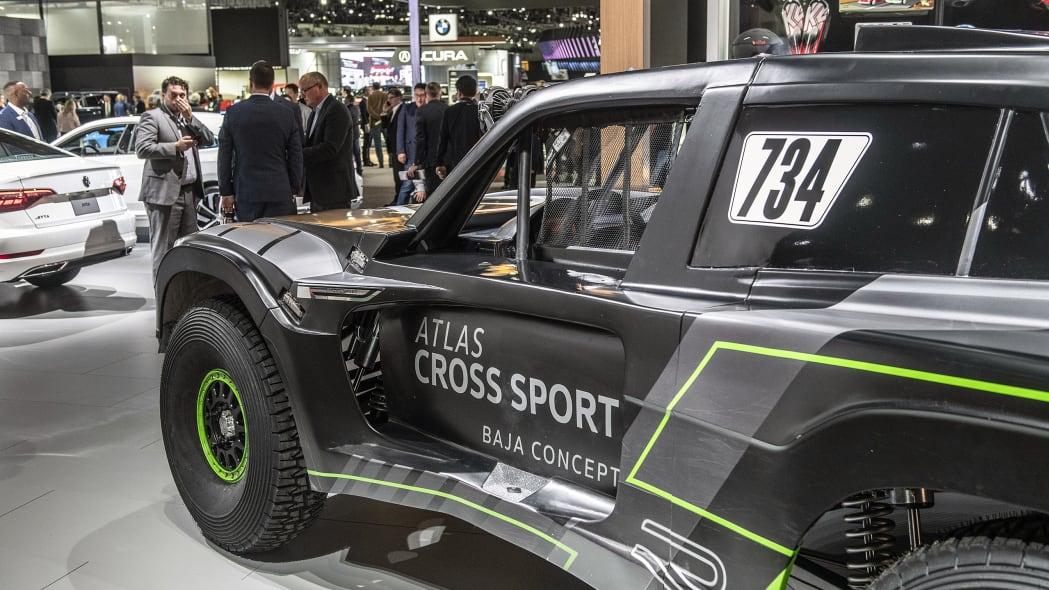 vw-atlas-cross-sport-r-la-10