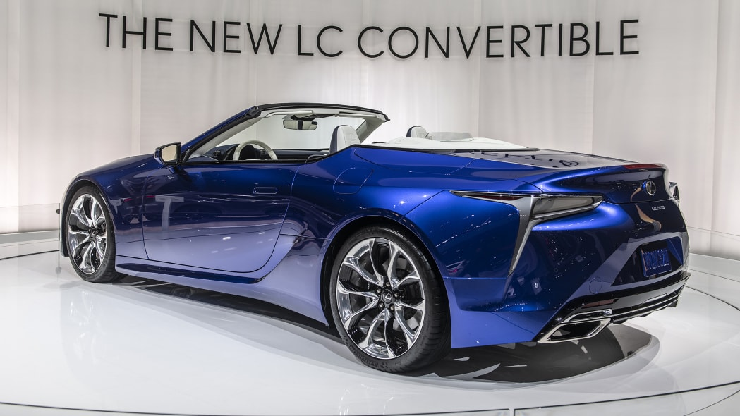 2021-lexus-lc-500-convertible-la-02